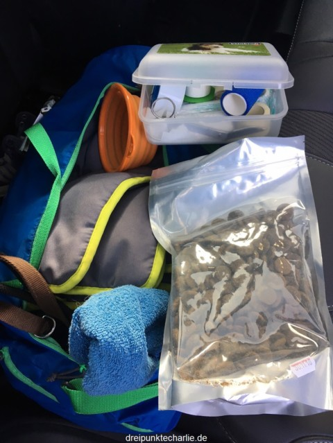 What's in my dog's bag –Meine Hundtasche.