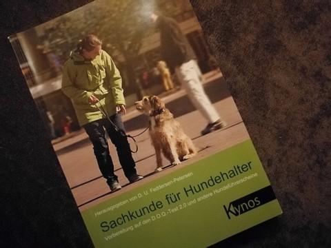 Der Hundeführerschein in Niedersachen – Frauchen hat den Lappen!