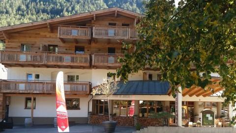 Urlaub mit Hund in Tirol – BARFen im Hotel Riederhof