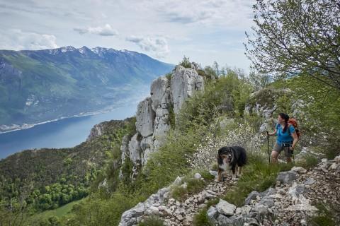 Wandern mit Hund am Gardasee: Traumhafte Tour zur Cima della Nara