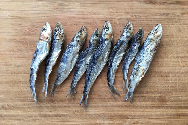 Fisch selbst trocknen für Hunde