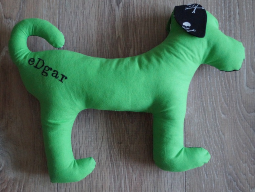 produkttester-gesucht-hunde-spielzeug-edgar-die-struppibande-glueckshund-2