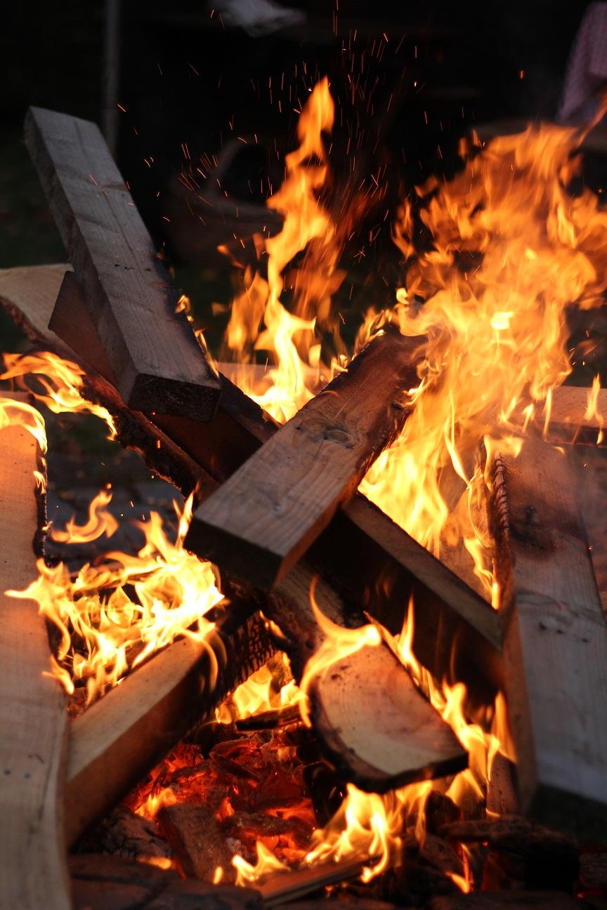 Advent Advent die Hütte brennt