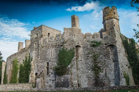 Mittelalter mit Hund in der Normandie erleben