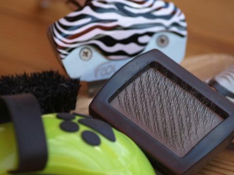 Von der Drahtbürste bis zum Massagehandschuh – Fellpflege ist vielseitig!